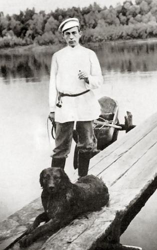Sergei_Rachmaninoff,_1899.jpg